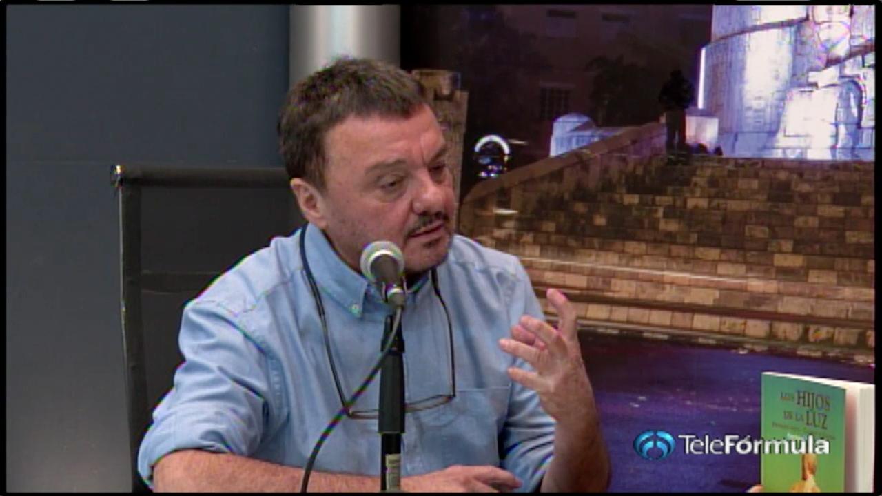 Enrique Trava presenta su novela en TeleFórmula